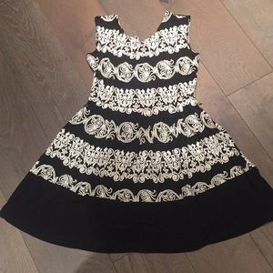 Tiana b black white dress 8p a line small medium